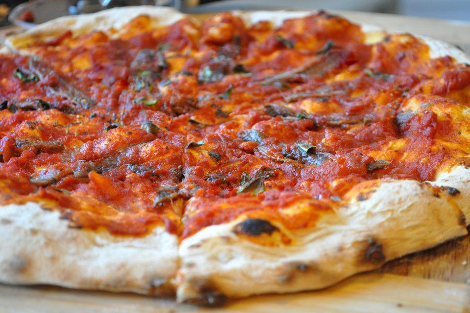 pizza marinara e olio all'aglio